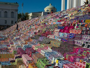 The stairs of the Helsinki Cathedral were filled with the Guinness world record attempt for the largest crocheted patchwork quilt of the world, making a quite large blanket.